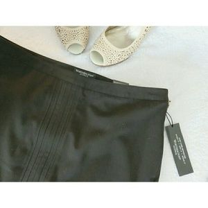 NWT Work Wear Pencil Skirt Pleated Black 12P